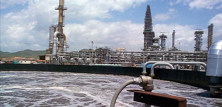 Tratamiento de Aguas Residuales de Refinería de Petróleo